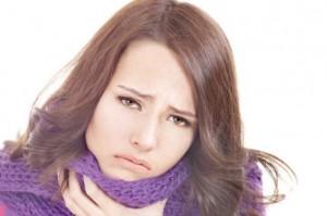 Как называется болезнь болит горло насморк