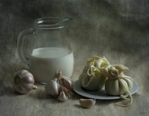 Молоко с чесноком