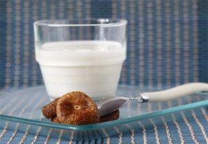 Лечение кашля с помощью инжира и молока