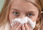 Начало насморка у ребенка: что делать и чем лечить
