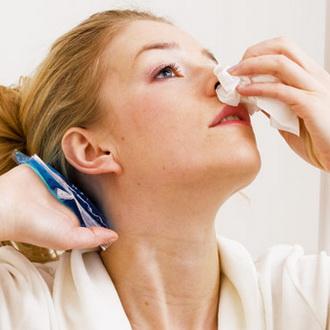 Как остановить кровь из носа в домашних условиях